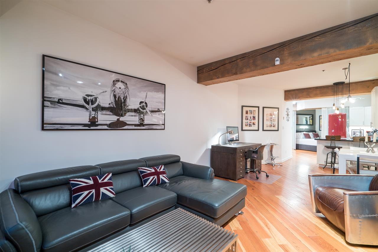 Condo Apartment at 210 1178 HAMILTON STREET, Unit 210, Vancouver West, British Columbia. Image 8