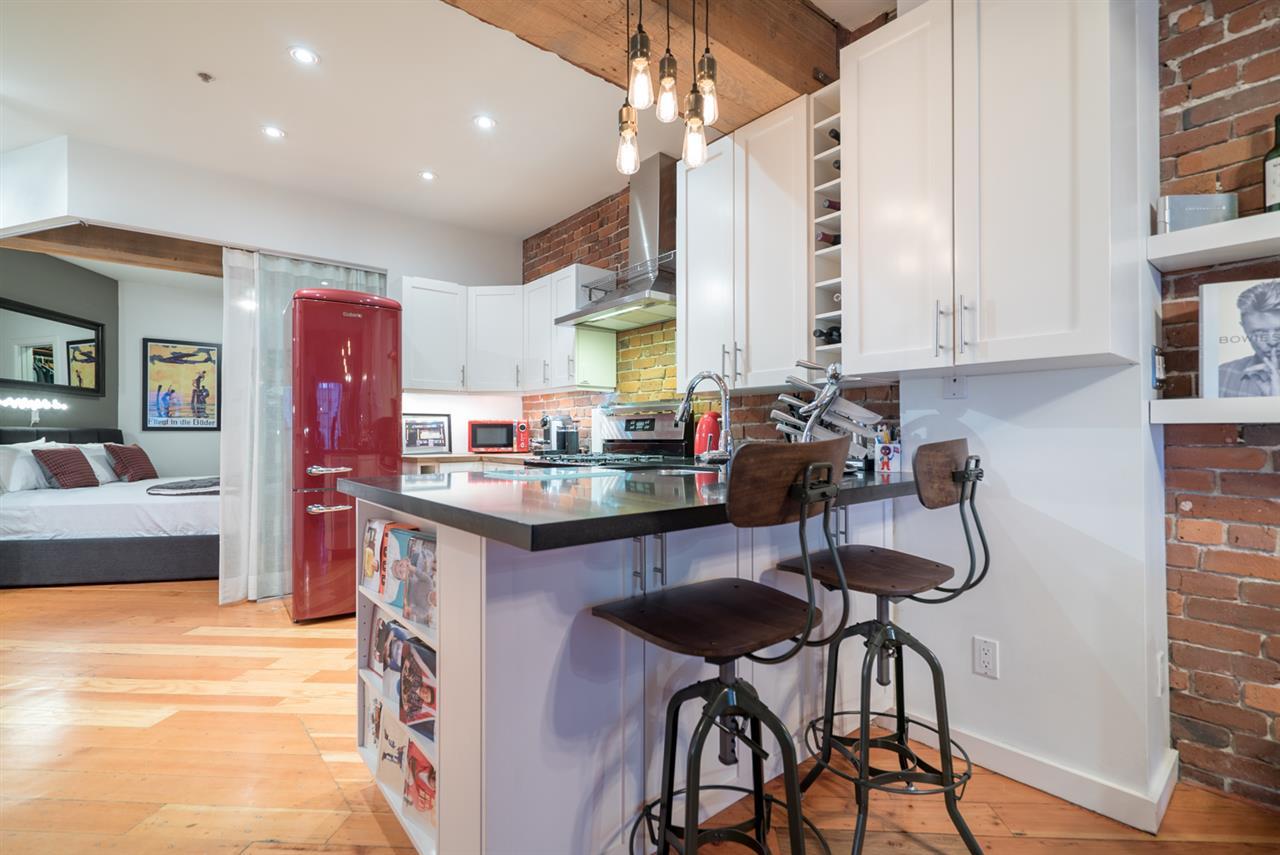 Condo Apartment at 210 1178 HAMILTON STREET, Unit 210, Vancouver West, British Columbia. Image 9