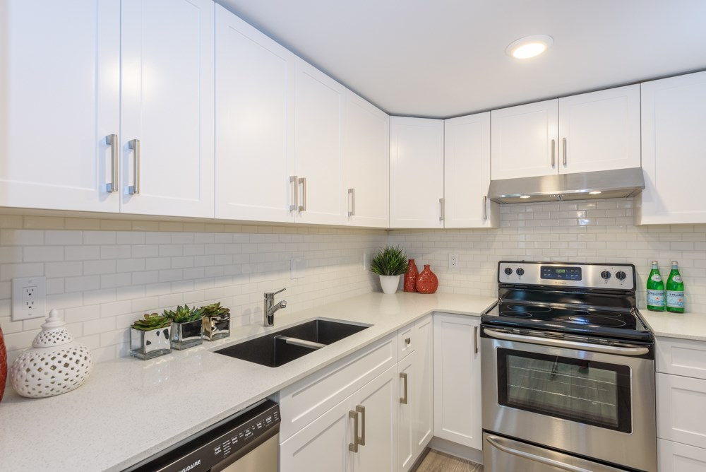Condo Apartment at 105 1433 E 1ST AVENUE, Unit 105, Vancouver East, British Columbia. Image 6