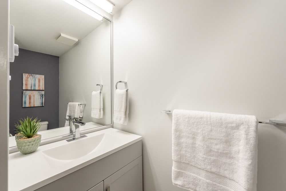 Condo Apartment at 105 1433 E 1ST AVENUE, Unit 105, Vancouver East, British Columbia. Image 12