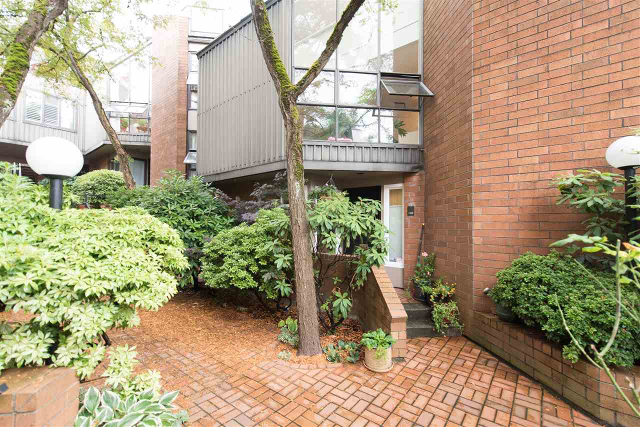 Townhouse at 848 W 7 AVENUE, Vancouver West, British Columbia. Image 2