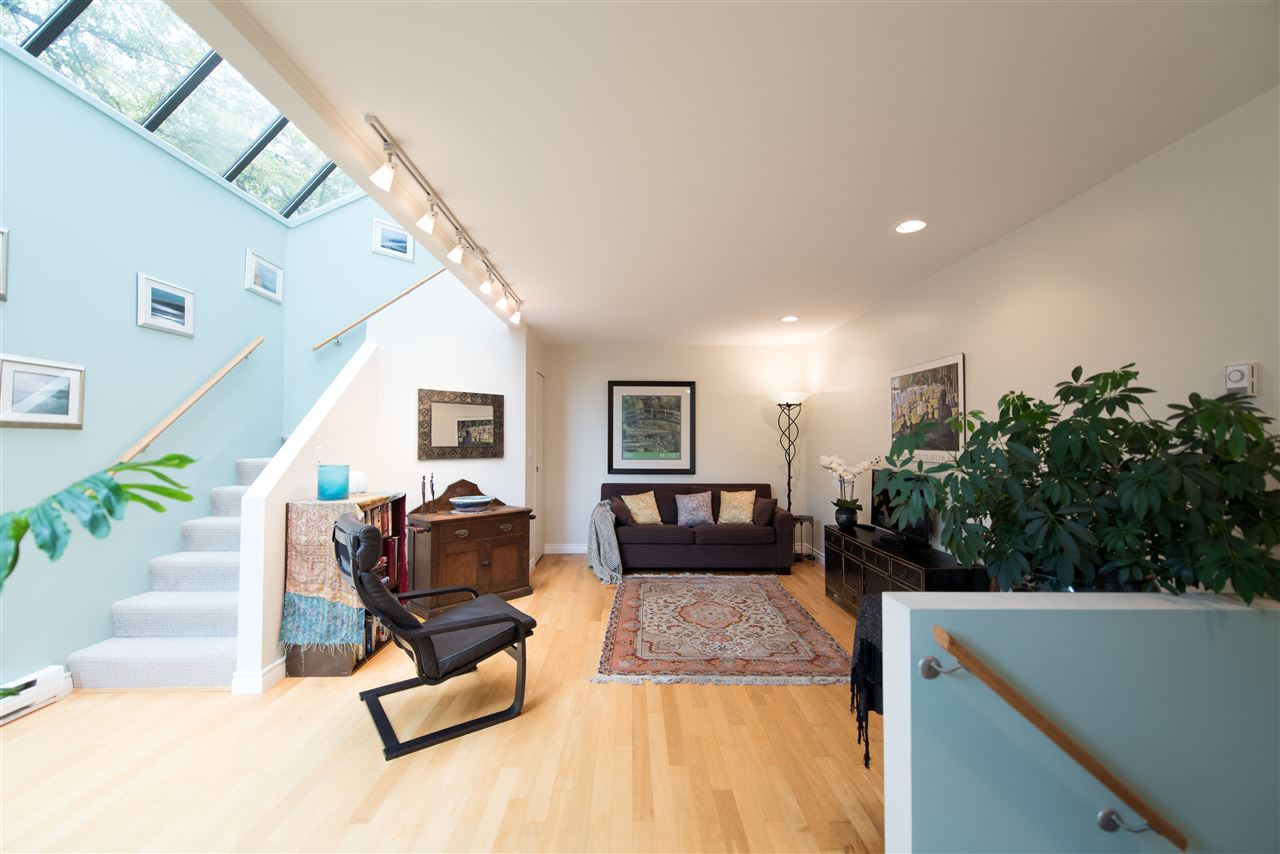 Townhouse at 848 W 7 AVENUE, Vancouver West, British Columbia. Image 3