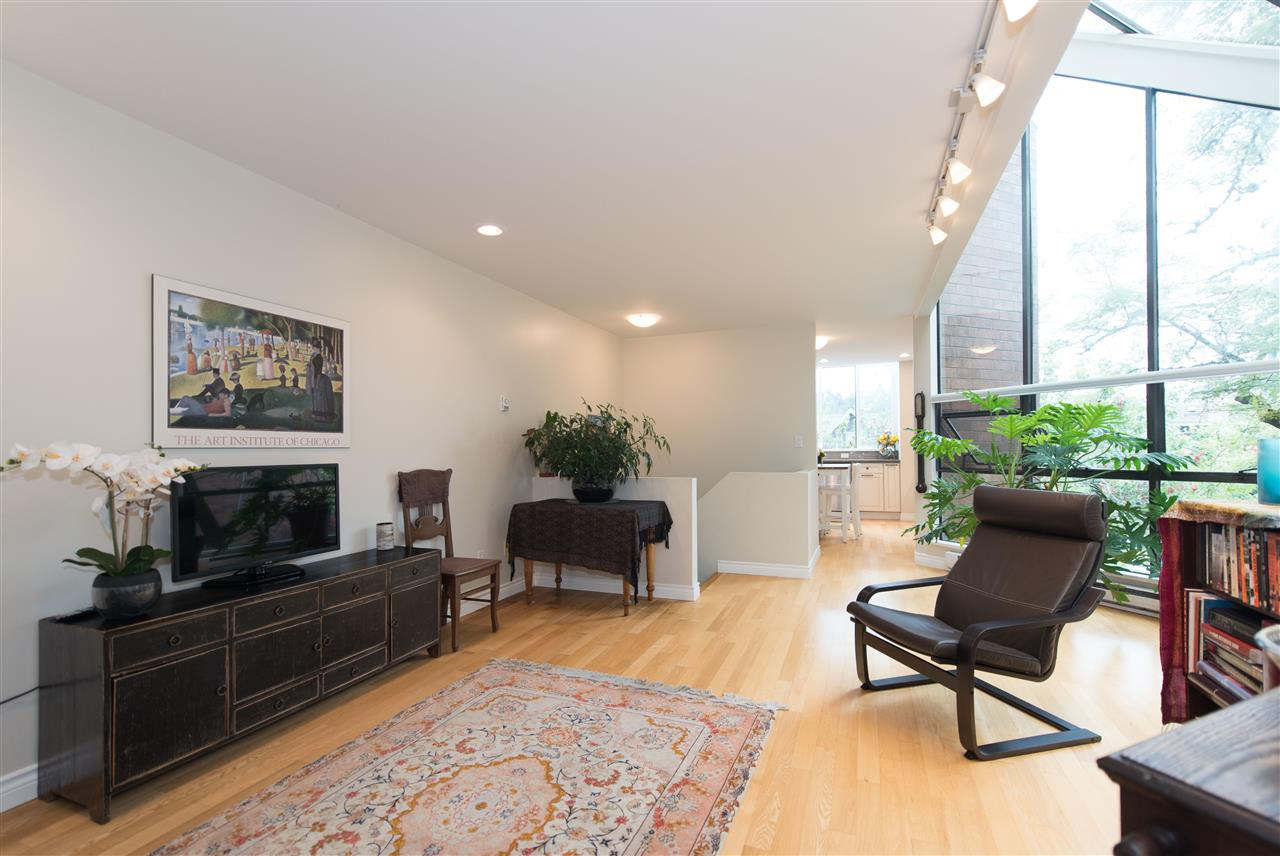Townhouse at 848 W 7 AVENUE, Vancouver West, British Columbia. Image 4