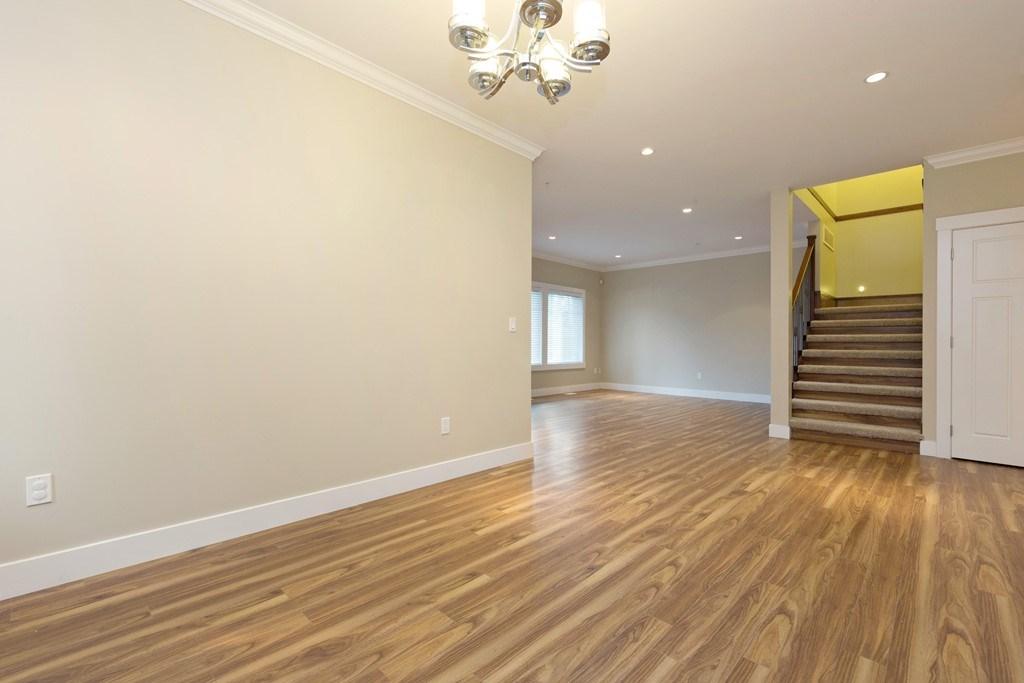 Half-duplex at 12157 214TH STREET, Maple Ridge, British Columbia. Image 5
