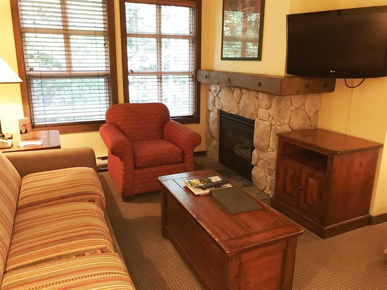 Condo Apartment at 511 4899 PAINTED CLIFF ROAD, Unit 511, Whistler, British Columbia. Image 2