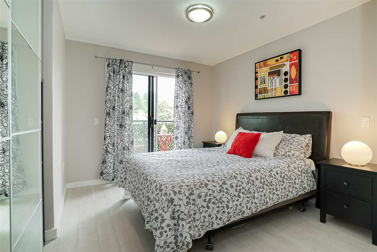 Condo Apartment at 405 935 W 16TH STREET, Unit 405, North Vancouver, British Columbia. Image 10