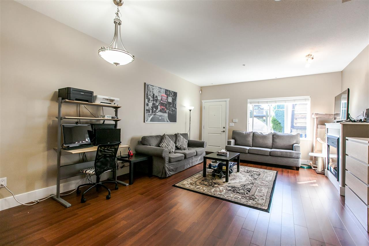 Townhouse at 102 368 ELLESMERE AVENUE, Unit 102, Burnaby North, British Columbia. Image 2
