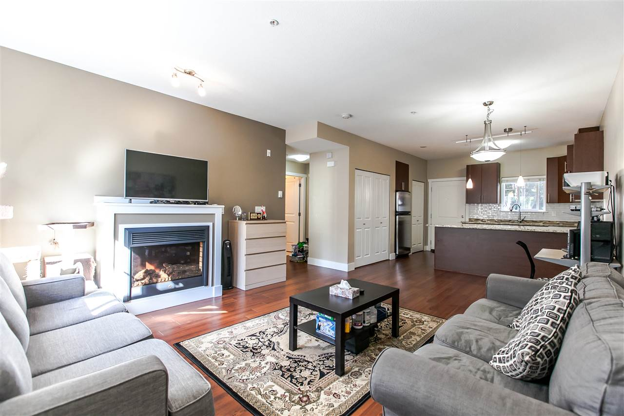 Townhouse at 102 368 ELLESMERE AVENUE, Unit 102, Burnaby North, British Columbia. Image 4