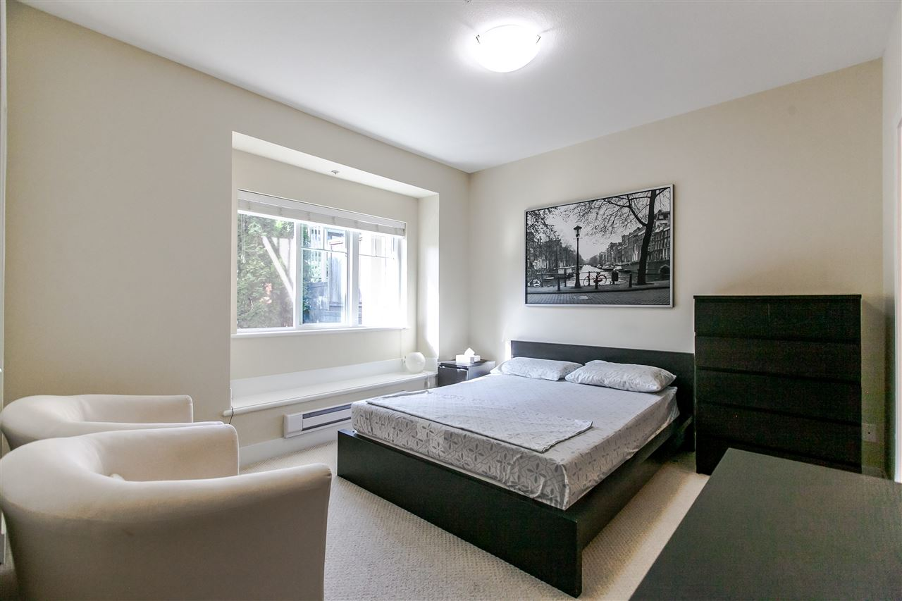Townhouse at 102 368 ELLESMERE AVENUE, Unit 102, Burnaby North, British Columbia. Image 11