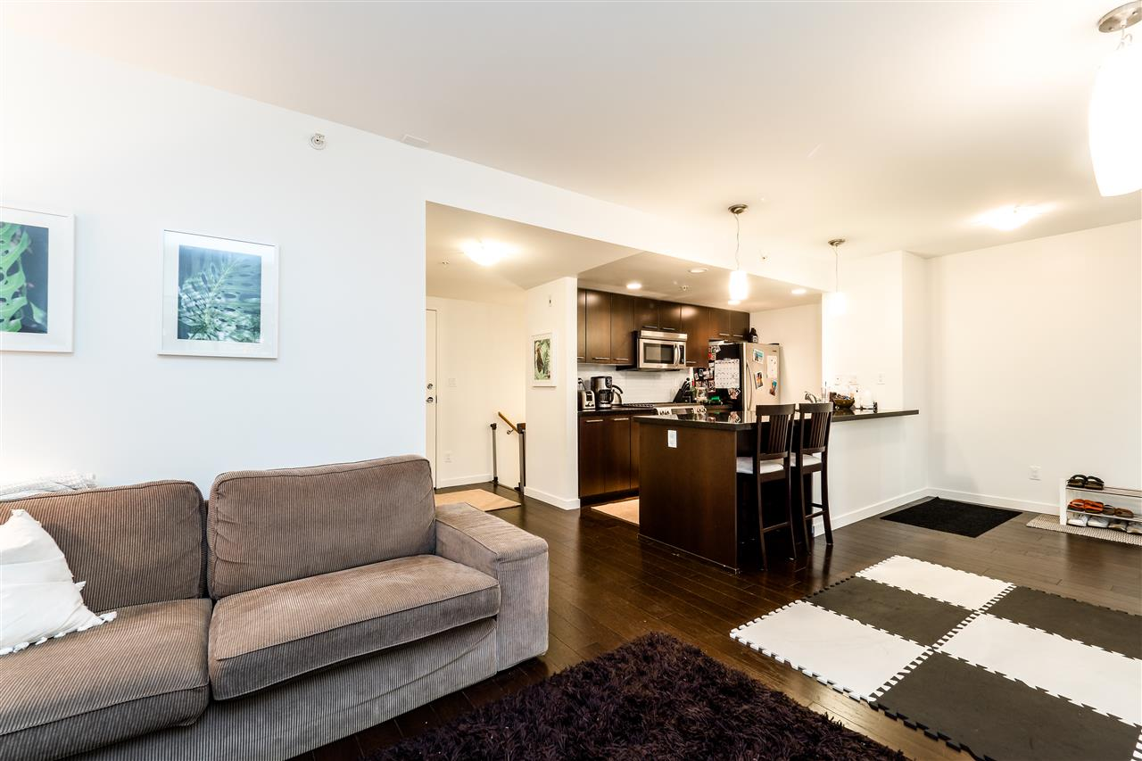 Townhouse at TH4 1288 CHESTERFIELD AVENUE, Unit TH4, North Vancouver, British Columbia. Image 10