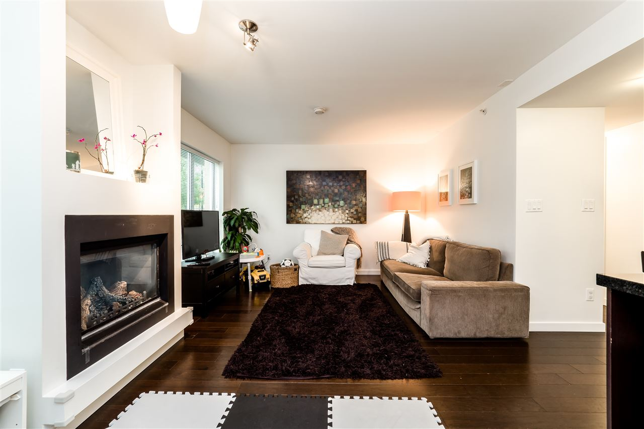 Townhouse at TH4 1288 CHESTERFIELD AVENUE, Unit TH4, North Vancouver, British Columbia. Image 11
