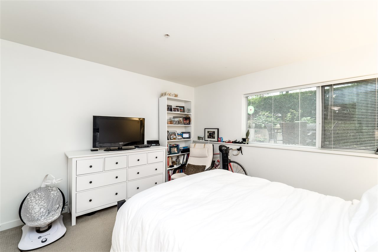 Townhouse at TH4 1288 CHESTERFIELD AVENUE, Unit TH4, North Vancouver, British Columbia. Image 15