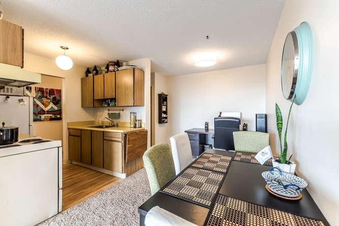 Condo Apartment at 207 310 W 3RD STREET, Unit 207, North Vancouver, British Columbia. Image 6