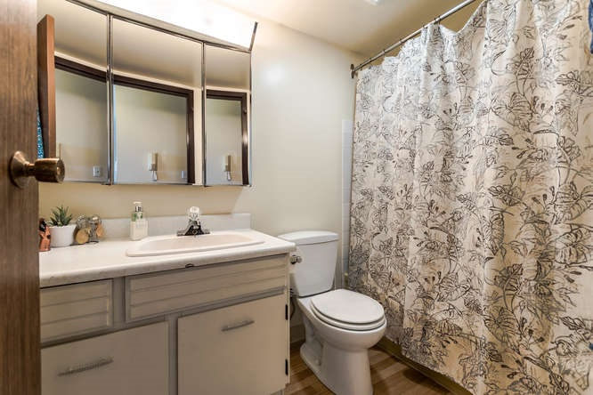 Condo Apartment at 207 310 W 3RD STREET, Unit 207, North Vancouver, British Columbia. Image 9