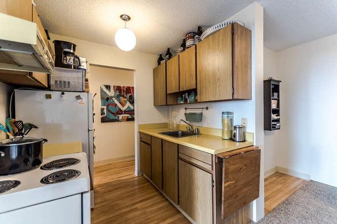 Condo Apartment at 207 310 W 3RD STREET, Unit 207, North Vancouver, British Columbia. Image 16