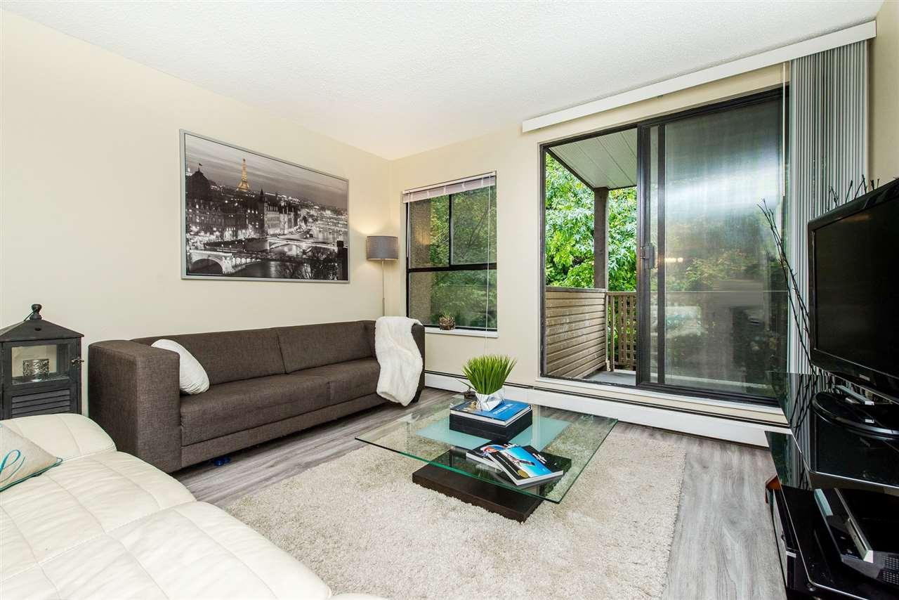 Condo Apartment at 208 10698 151A STREET, Unit 208, North Surrey, British Columbia. Image 4
