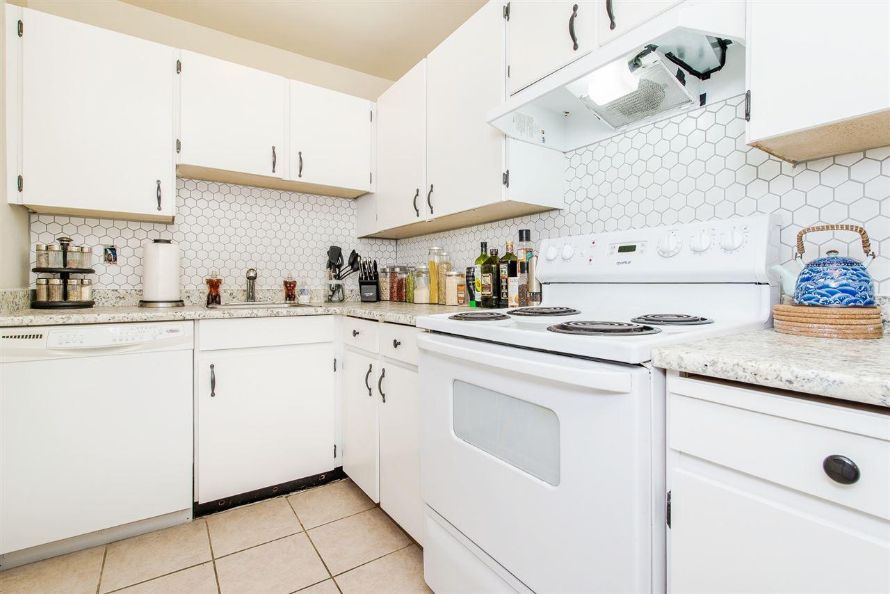 Condo Apartment at 208 10698 151A STREET, Unit 208, North Surrey, British Columbia. Image 15