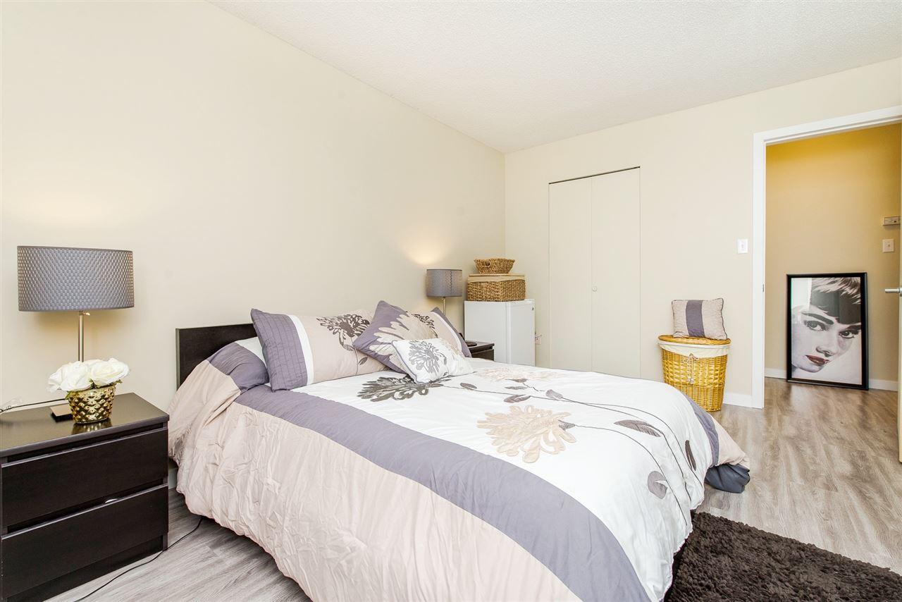 Condo Apartment at 208 10698 151A STREET, Unit 208, North Surrey, British Columbia. Image 17