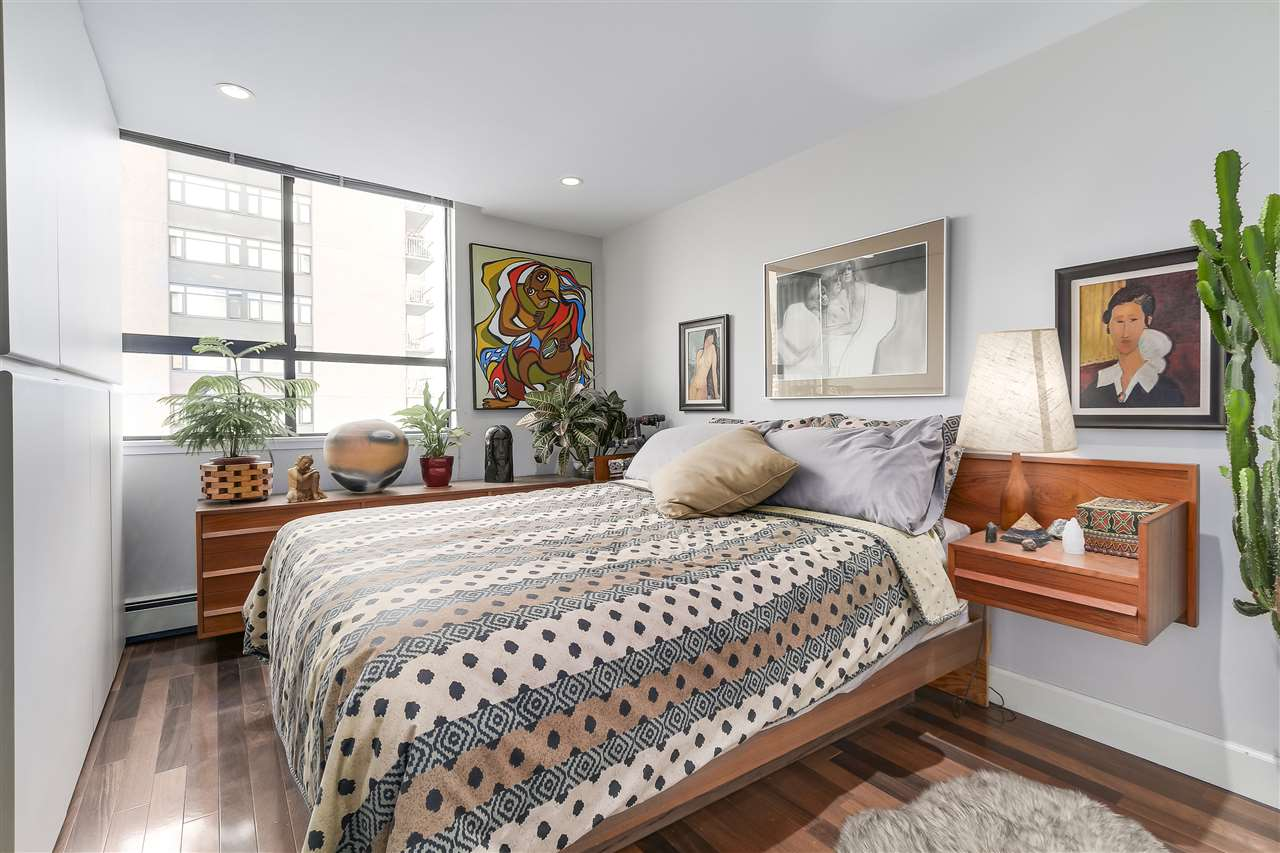 Condo Apartment at 1008 1720 BARCLAY STREET, Unit 1008, Vancouver West, British Columbia. Image 16