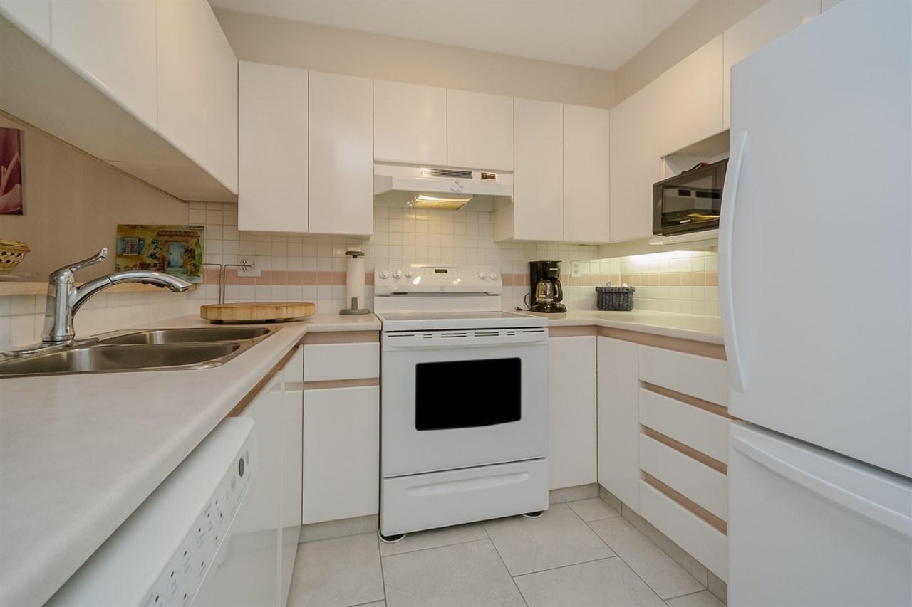 Condo Apartment at 105 7465 SANDBORNE AVENUE, Unit 105, Burnaby South, British Columbia. Image 9