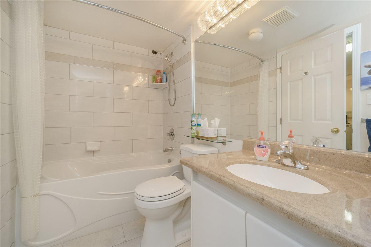 Condo Apartment at 105 7465 SANDBORNE AVENUE, Unit 105, Burnaby South, British Columbia. Image 15