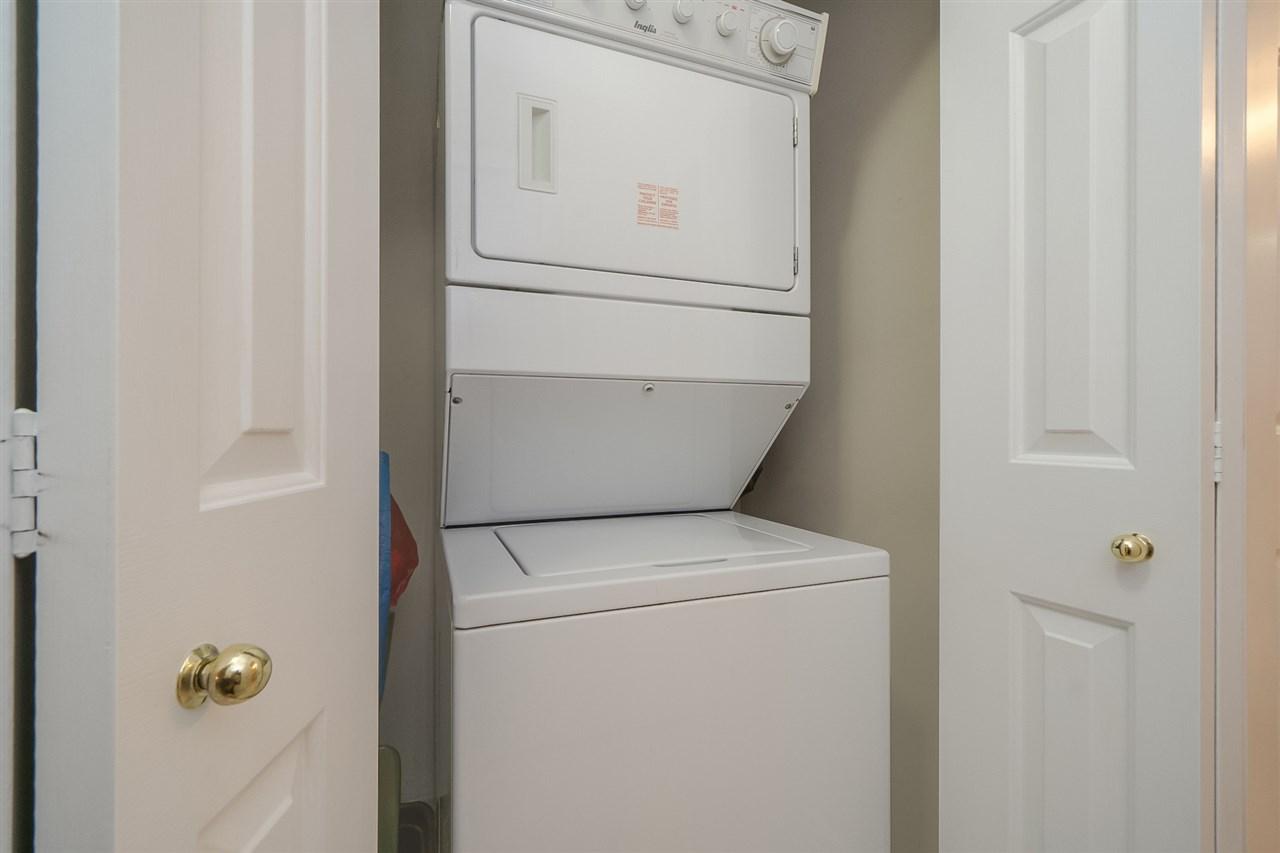 Condo Apartment at 105 7465 SANDBORNE AVENUE, Unit 105, Burnaby South, British Columbia. Image 17