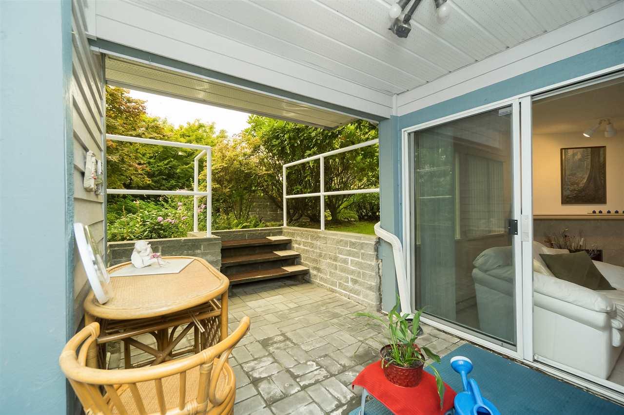 Condo Apartment at 105 7465 SANDBORNE AVENUE, Unit 105, Burnaby South, British Columbia. Image 18