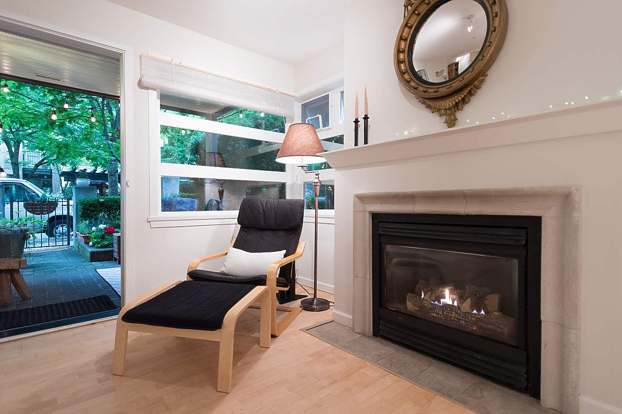 Condo Apartment at 101 2181 W 12TH AVENUE, Unit 101, Vancouver West, British Columbia. Image 4