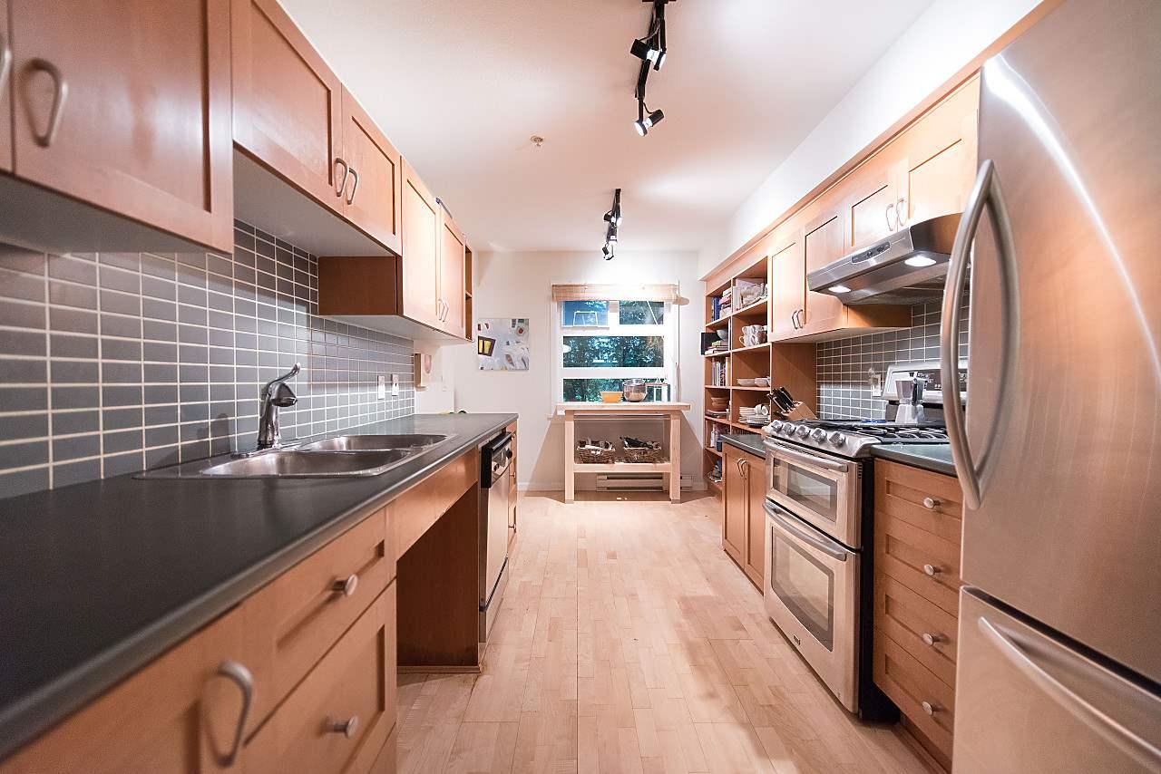 Condo Apartment at 101 2181 W 12TH AVENUE, Unit 101, Vancouver West, British Columbia. Image 8