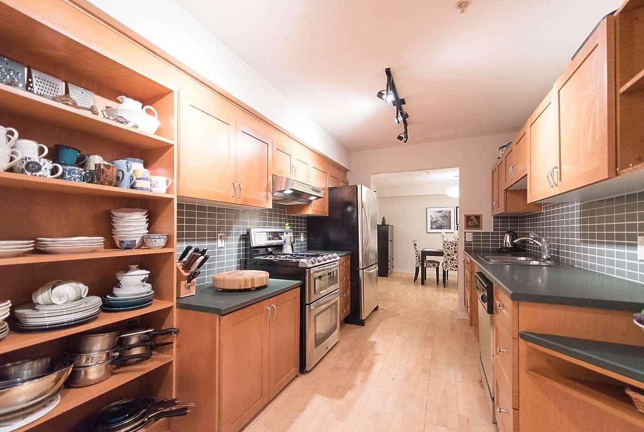 Condo Apartment at 101 2181 W 12TH AVENUE, Unit 101, Vancouver West, British Columbia. Image 9