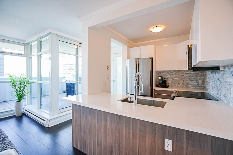 Condo Apartment at 3001 438 SEYMOUR STREET, Unit 3001, Vancouver West, British Columbia. Image 3