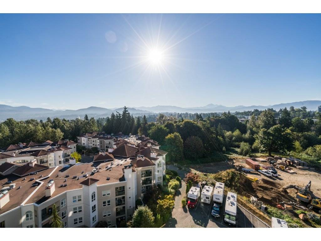 Condo Apartment at 904 3170 GLADWIN ROAD, Unit 904, Abbotsford, British Columbia. Image 2