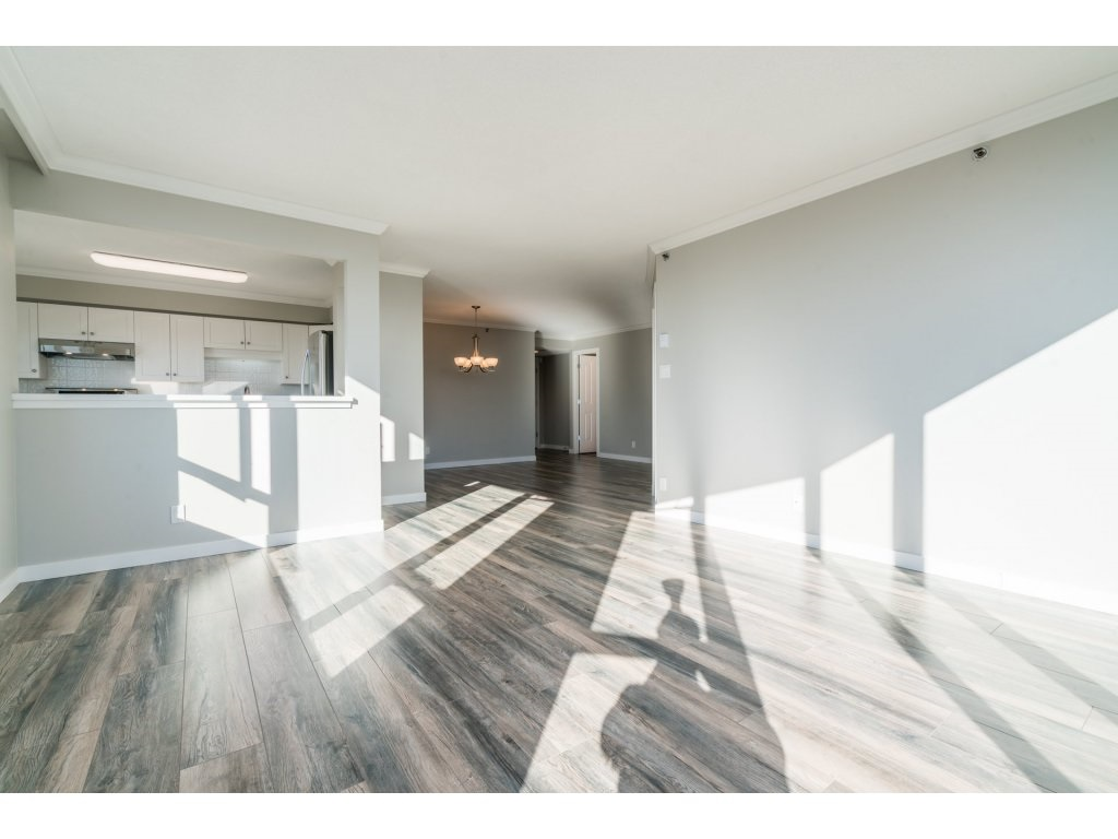 Condo Apartment at 904 3170 GLADWIN ROAD, Unit 904, Abbotsford, British Columbia. Image 6