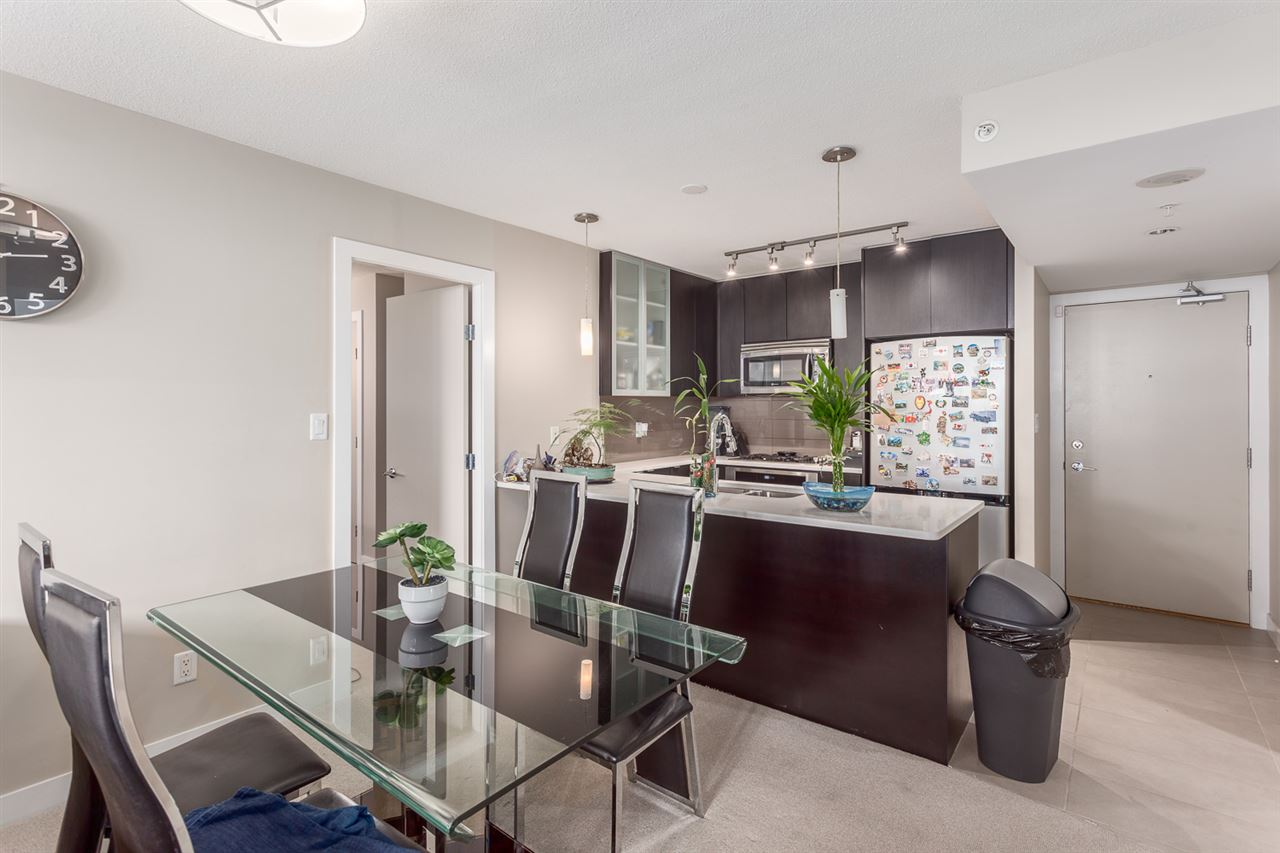 Condo Apartment at 303 7328 ARCOLA STREET, Unit 303, Burnaby South, British Columbia. Image 6