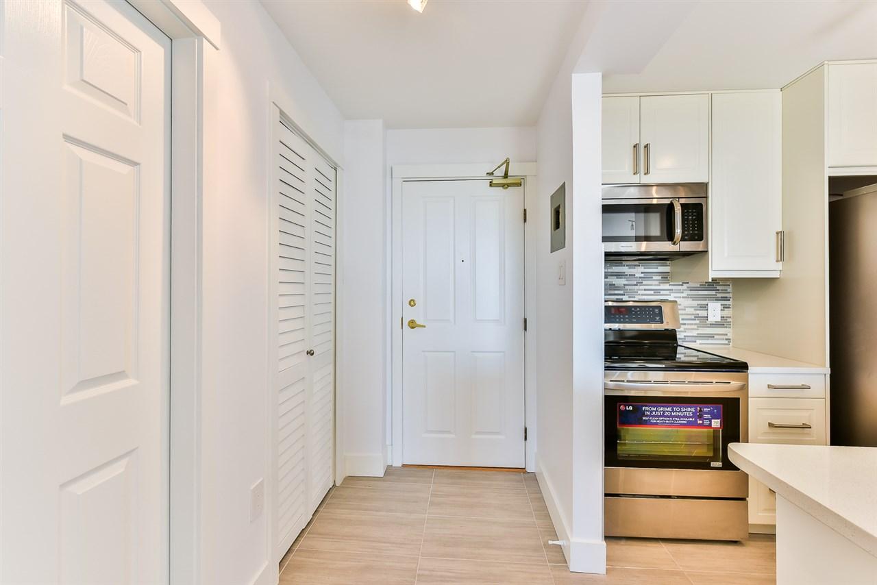 Condo Apartment at 1202 2004 FULLERTON AVENUE, Unit 1202, North Vancouver, British Columbia. Image 3