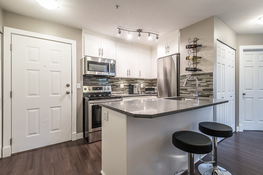 Condo Apartment at E207 40180 WILLOW CRESCENT, Unit E207, Squamish, British Columbia. Image 3