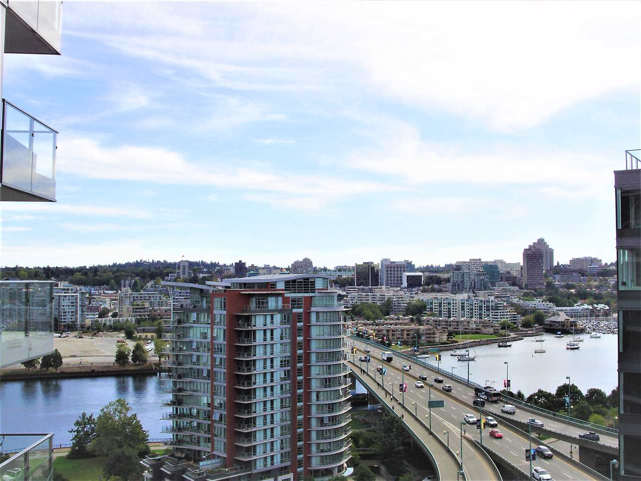 Condo Apartment at 1851 38 SMITHE STREET, Unit 1851, Vancouver West, British Columbia. Image 3
