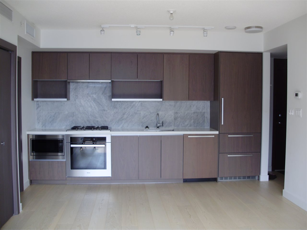 Condo Apartment at 1851 38 SMITHE STREET, Unit 1851, Vancouver West, British Columbia. Image 4
