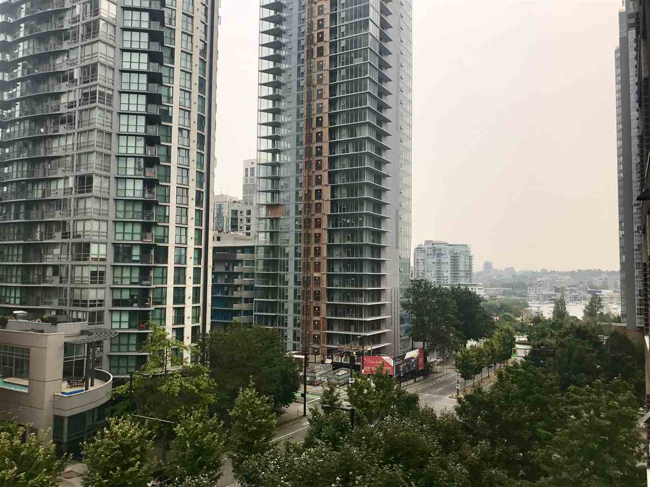 Condo Apartment at 707 550 PACIFIC STREET, Unit 707, Vancouver West, British Columbia. Image 2