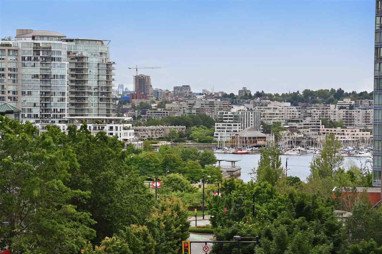 Condo Apartment at 707 550 PACIFIC STREET, Unit 707, Vancouver West, British Columbia. Image 13