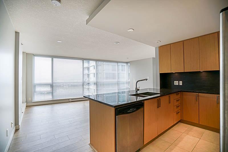 Condo Apartment at 906 2978 GLEN DRIVE, Unit 906, Coquitlam, British Columbia. Image 3