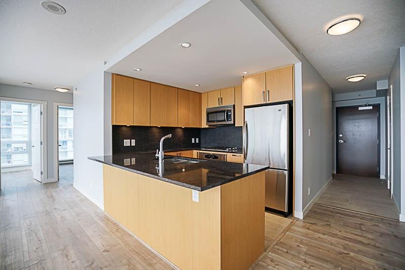 Condo Apartment at 906 2978 GLEN DRIVE, Unit 906, Coquitlam, British Columbia. Image 5
