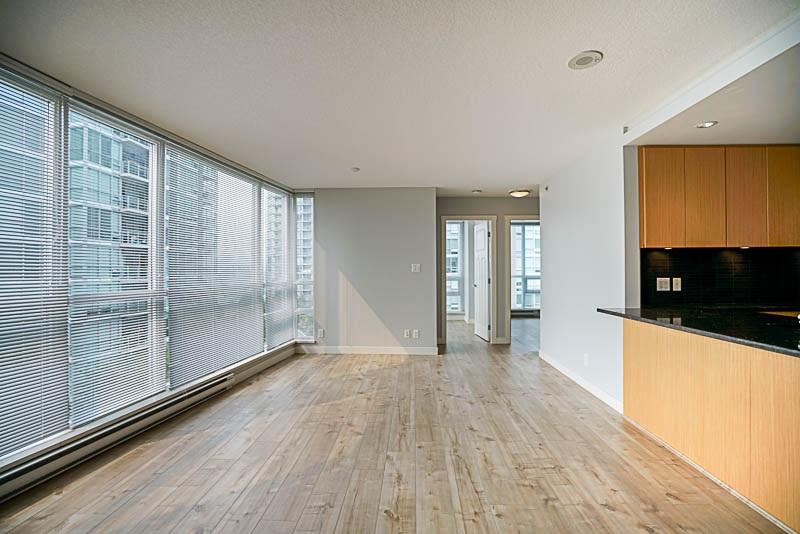 Condo Apartment at 906 2978 GLEN DRIVE, Unit 906, Coquitlam, British Columbia. Image 7