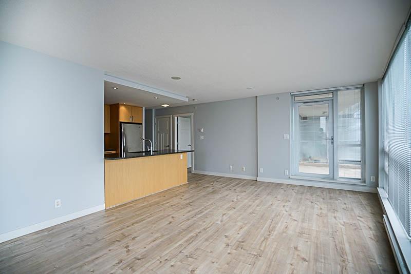 Condo Apartment at 906 2978 GLEN DRIVE, Unit 906, Coquitlam, British Columbia. Image 8