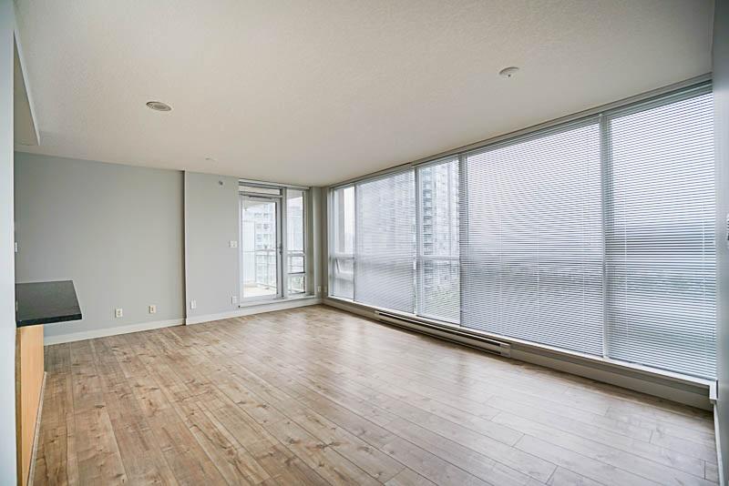 Condo Apartment at 906 2978 GLEN DRIVE, Unit 906, Coquitlam, British Columbia. Image 9