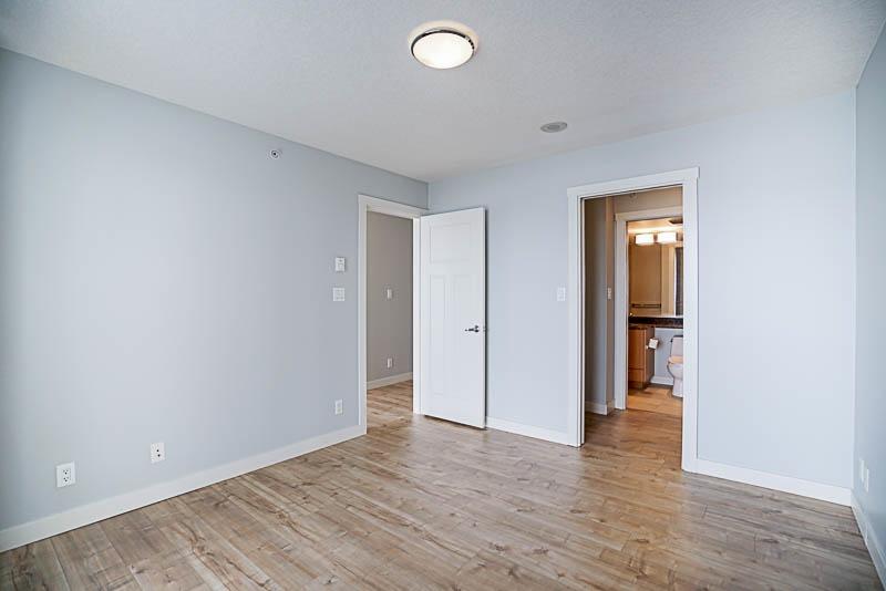 Condo Apartment at 906 2978 GLEN DRIVE, Unit 906, Coquitlam, British Columbia. Image 11