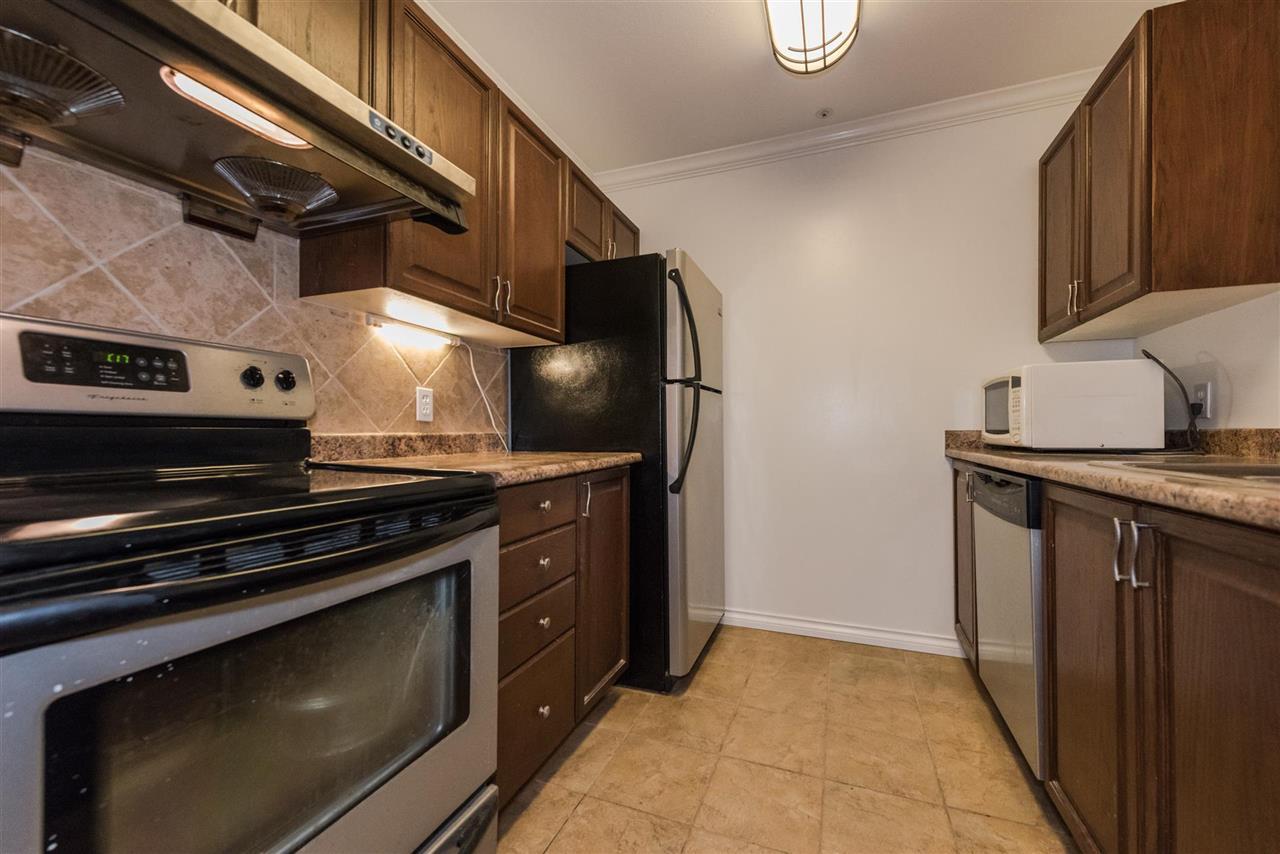Condo Apartment at 202 5577 SMITH AVENUE, Unit 202, Burnaby South, British Columbia. Image 5