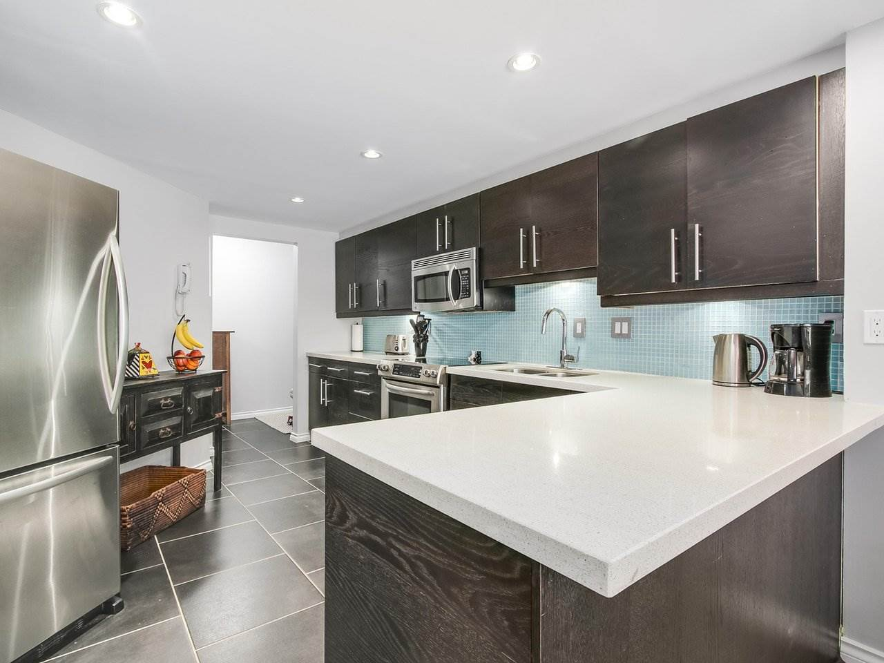 Condo Apartment at 206 1235 QUAYSIDE DRIVE, Unit 206, New Westminster, British Columbia. Image 1