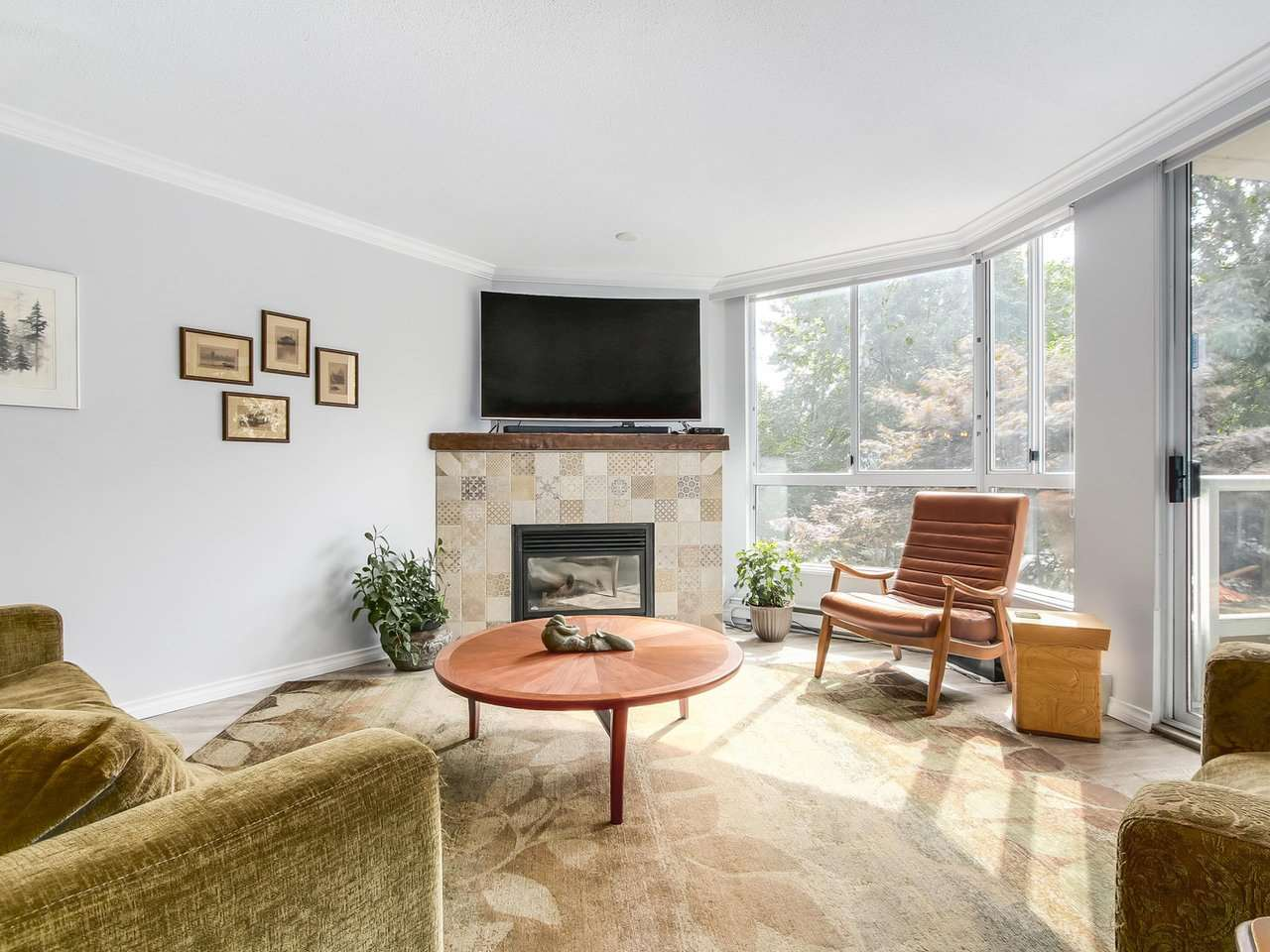 Condo Apartment at 206 1235 QUAYSIDE DRIVE, Unit 206, New Westminster, British Columbia. Image 5