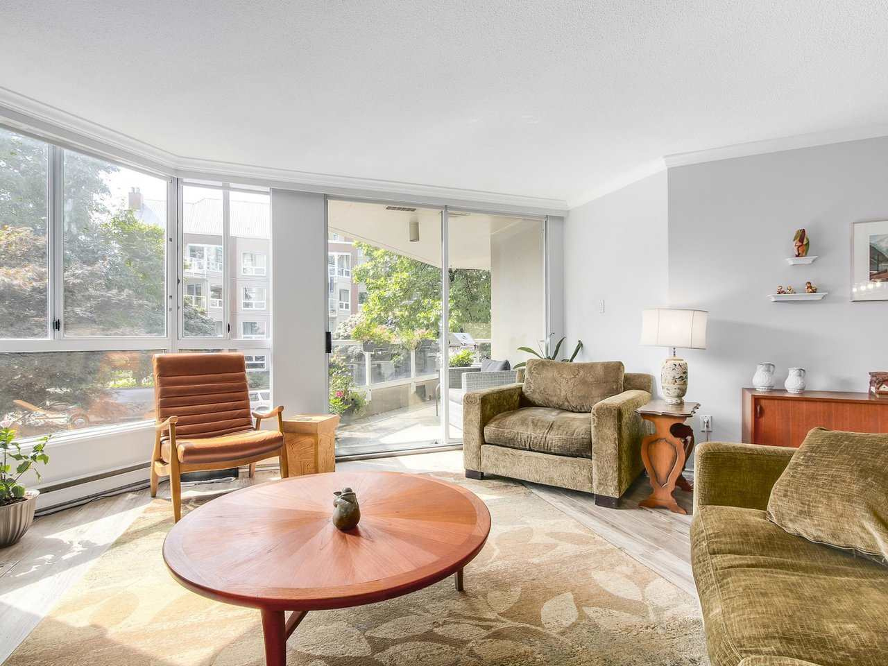 Condo Apartment at 206 1235 QUAYSIDE DRIVE, Unit 206, New Westminster, British Columbia. Image 6